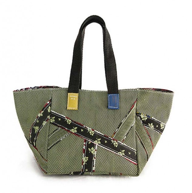 Carmina Campus bags made by Artisans in Kenya with the Ethical Fashion Initiative © Carmina Campus