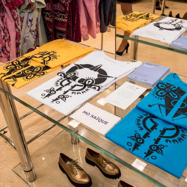 For VFNO, celebrated at Biffi Boutiques, with the Ethical Fashion Initiative, MO SAIQUE made these limited edition t-shirts © Solange Souza