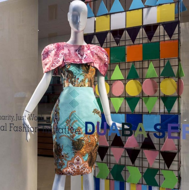 Biffi Boutiques window with a duaba serwa Spring/Summer 2015 design for Vogue Fashion's Night Out © Solange Souza