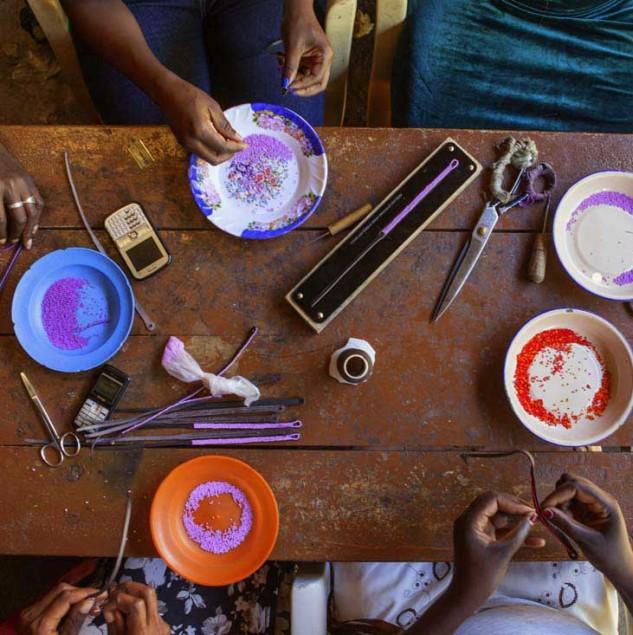 Beading wrap bracelets in Kenya for Chan Luu. © Tahir Carl Karmali