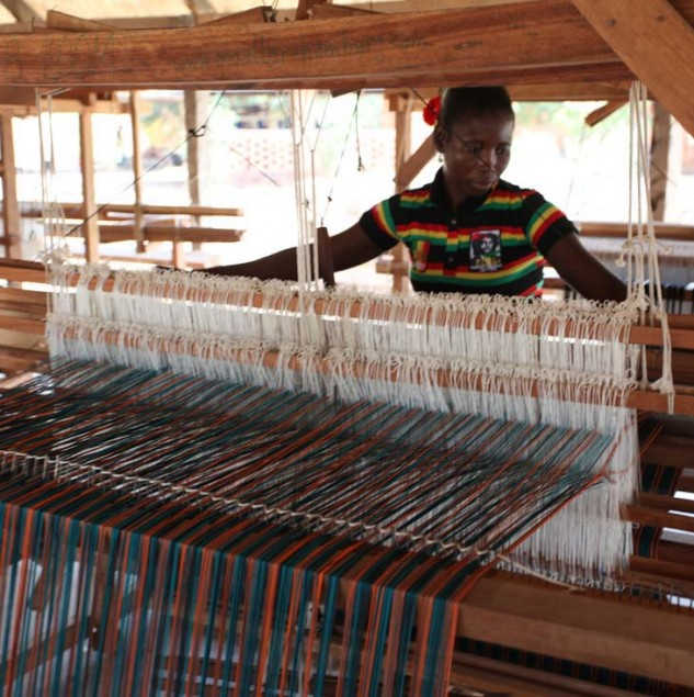 Artisan hand-weaving danfani fabric for Stella Jean's Spring/Summer 2014 collection in Burkina Faso © ITC Ethical Fashion Initiative