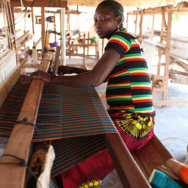 Artisan weaver in Burkina Faso weaving fabric for Stella Jean's Spring/Summer 2014 collection © ITC Ethical Fashion Initiative