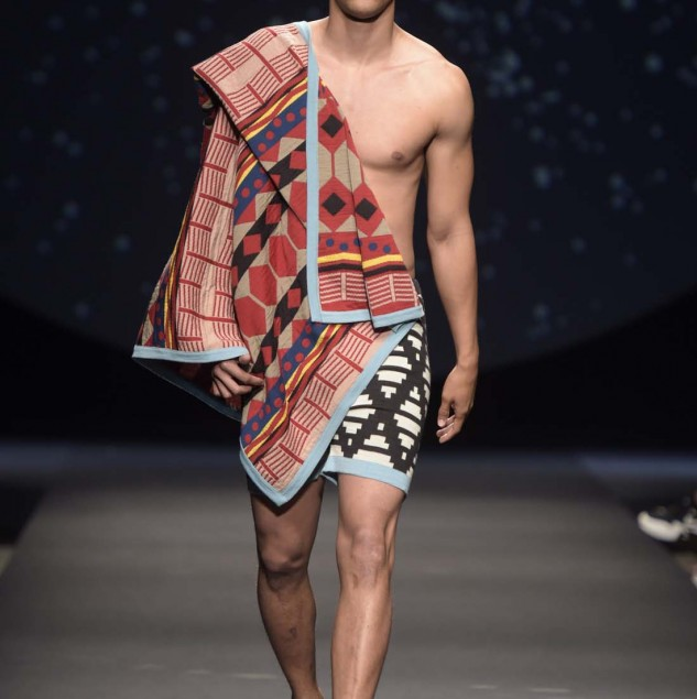 MaXhosa by Laduma Spring/Summer 2016 look shown © Pitti Immagine Giovanni Giannoni