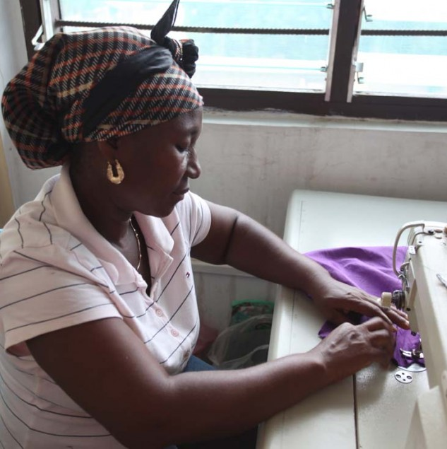 An artisan working in Mina Evans' atelier in Accra. © ITC Ethical Fashion Initiative