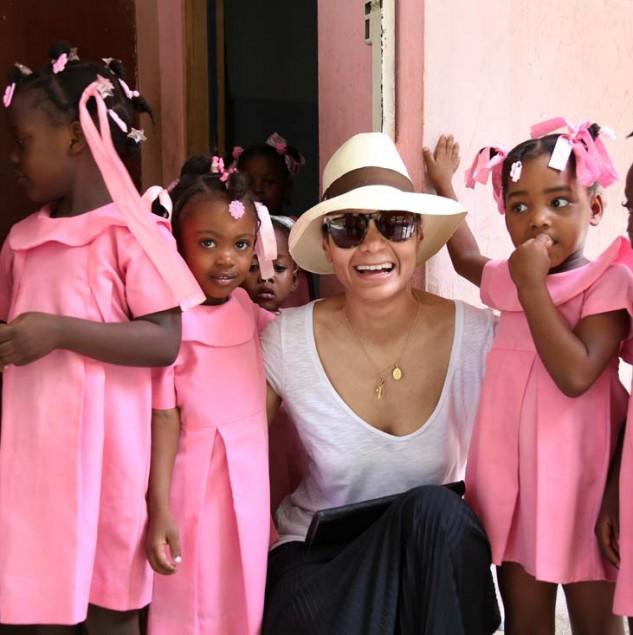 Stella Jean in Haiti with Haitian schoolchildren © Marie Arago & ITC Ethical Fashion Initiative