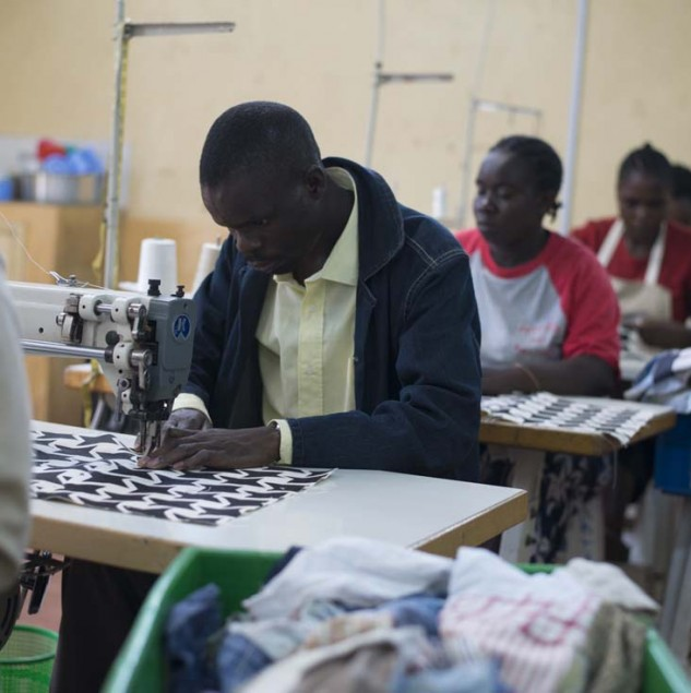 Production at the Ethical Fashion Initiative Hub in Nairobi satisfies the fashion world's wish to be more fair by providing quality products made with care. © Tahir Carl Karmali & ITC Ethical Fashion Initiative