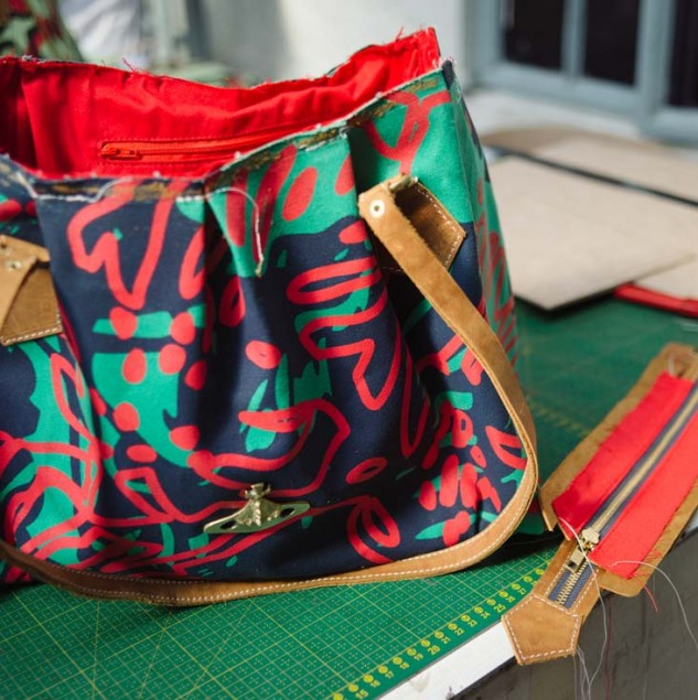 Assembling a Vivienne Westwood Africa bag made by artisans in Kenya © Tahir Carl Karmali & ITC Ethical Fashion Initiative