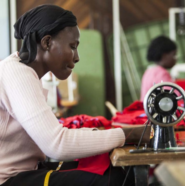 Artisans producing bags for Vivienne Westwood's Made with Love in Kenya collection in the Rift Valley town of Gigil, Kenya. © ITC Ethical Fashion Initiative