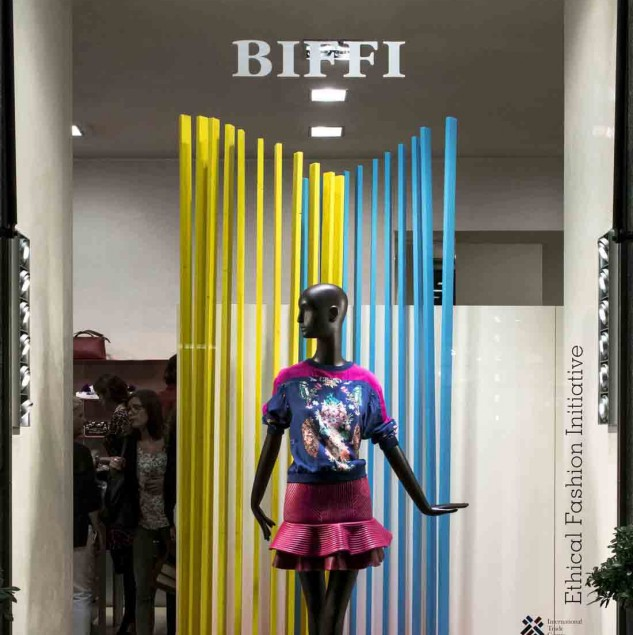 Mimi Plange's Spring/Summer 2016 window at Biffi Boutiques in Milan (c) Solange Souza