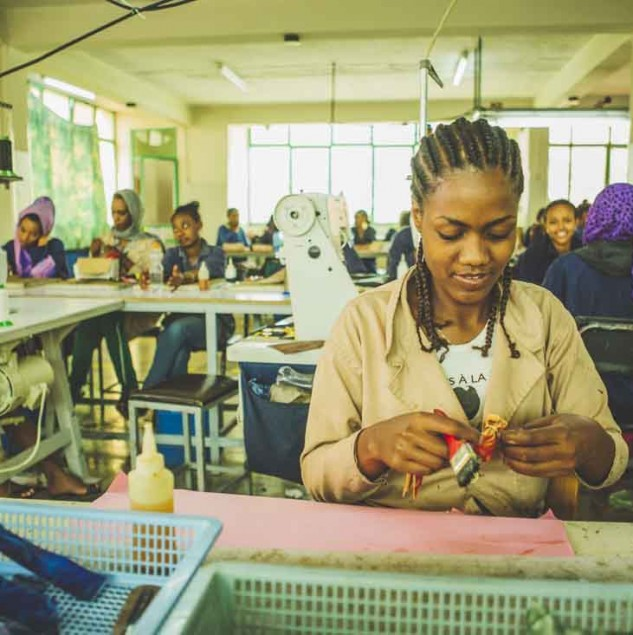 Artisan working on Camper's Made in Africa shoe collection © ITC Ethical Fashion Initiative & Louis Nderi