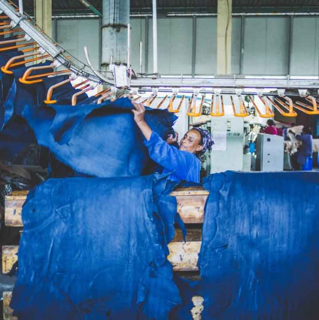 Tanning leather in Ethiopia for Camper's Made in Africa collection © ITC Ethical Fashion Initiative & Louis Nderi
